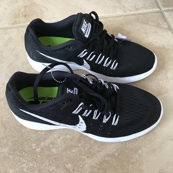 uk availability 326b6 1888e Nike Lunartempo Women's Running Sneakers NWT